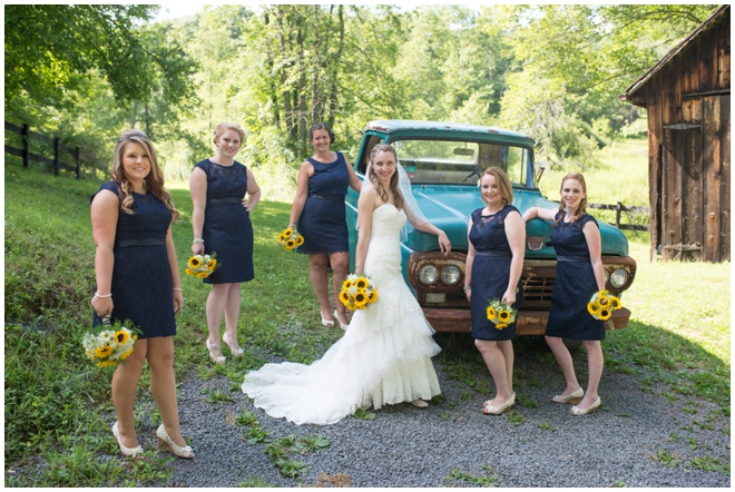 Chanteclaire-Farm-_0013-bridesmaids-old-truck