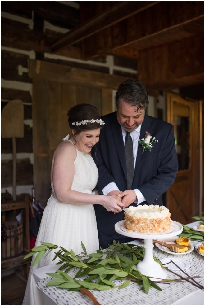 Benedict-Haid-Farm-Wedding-Dale-Hawkins-Gluten-Free-Cake-46