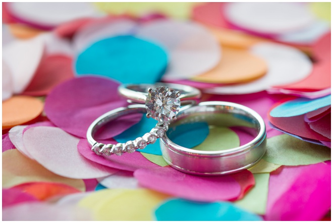 35-confetti-and-wedding-rings